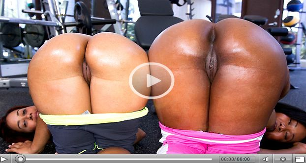 Video of Jessica Dawn & Julissa James shaking their asses