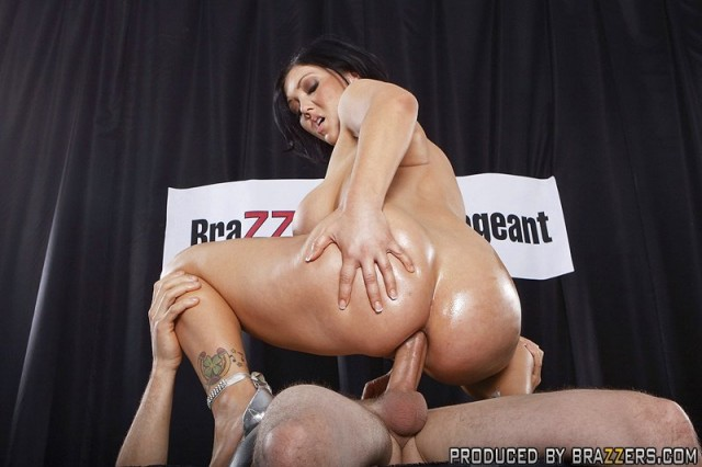 Claire Dames Big Wet Ass 74