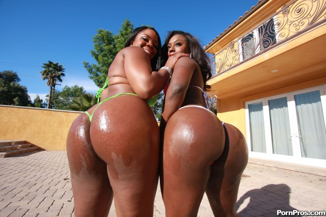 Samone Taylor & Janae Jolie big black round juicy butts pics