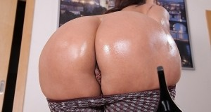 Simone Style – European booty slut with big butt pictures