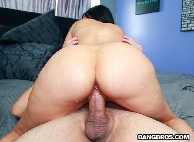 Milf small tits big ass