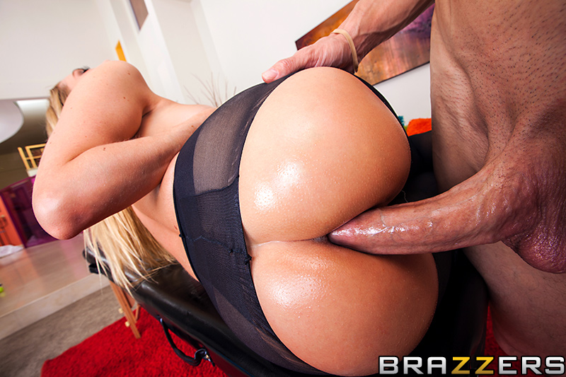 Cutie gets mouth spunked 3