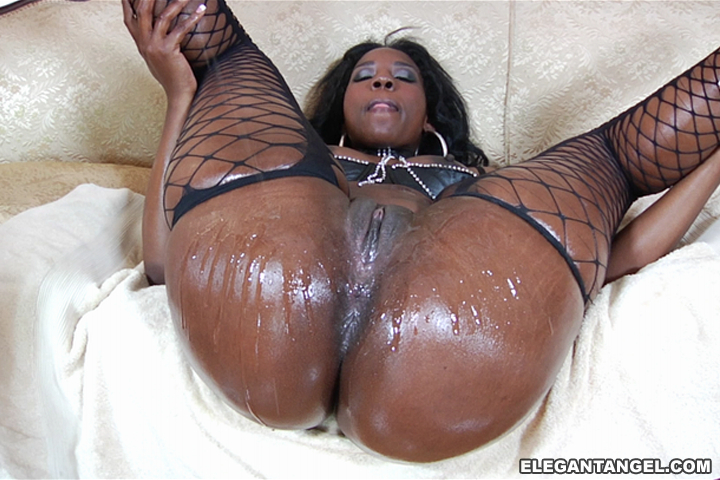Wet big black ass