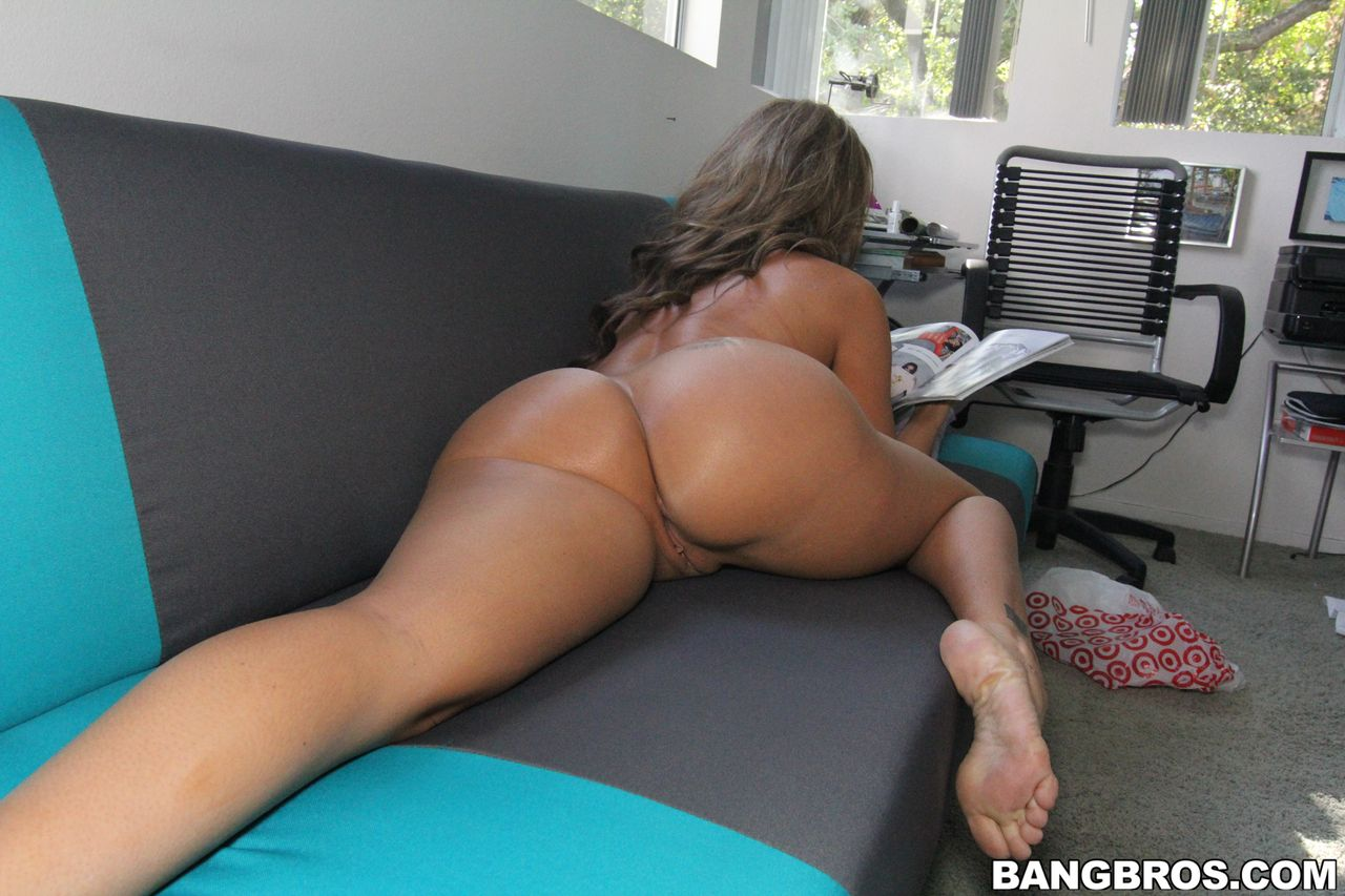 Richelle ryan ass