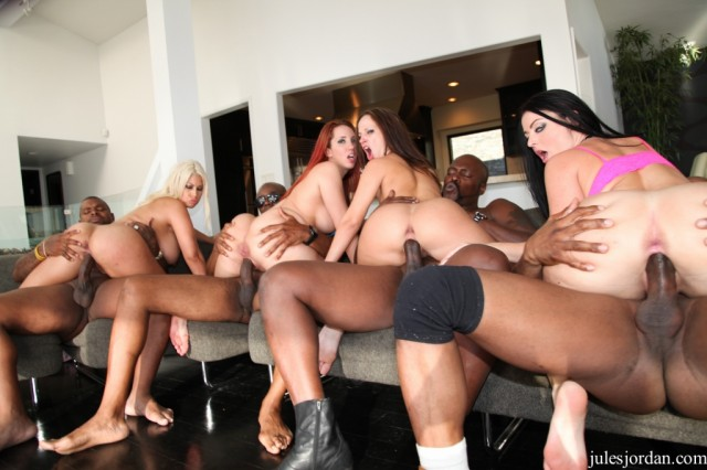 Big ass orgy #1 at Jules Jordan – Kelly Jada Sophie & Bridgette