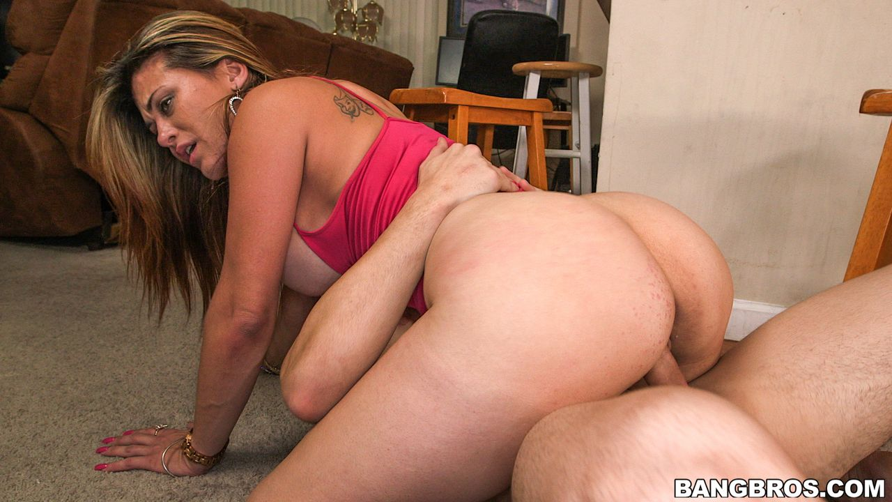 Slut gets humiliated