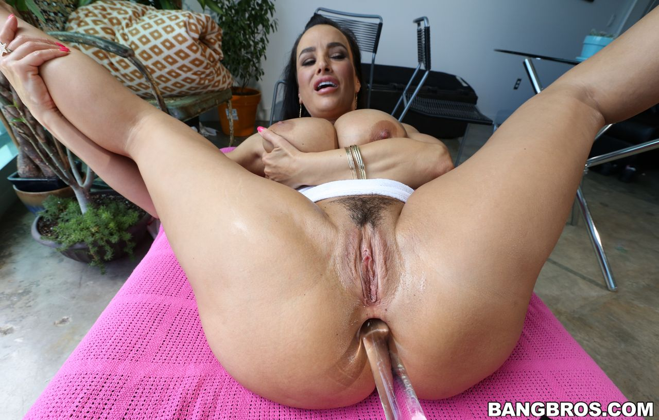 Lisa ann getting anal