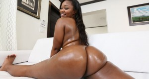 Gives a dick rides to this thick chocolate booty ass