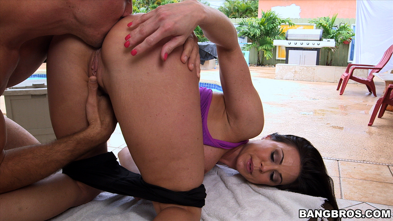 kendra-lust-big-booty-milf-ass-licked